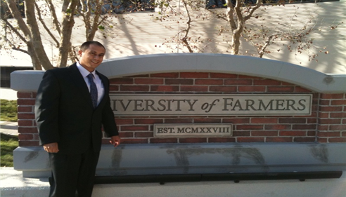 Andrew Chavez - <pre>Andrew Chavez at the University of Farmers</pre>