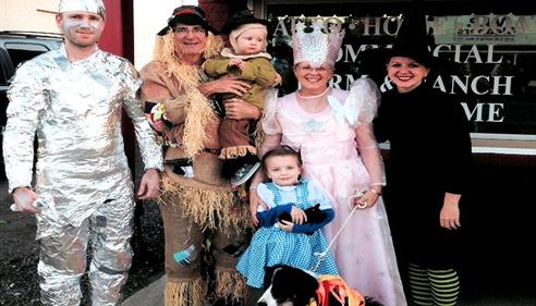 Dwayne Wheeler - <pre>Downtown Van Halloween festivities</pre>