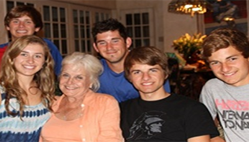 John Portaro - <pre>My mom with her grandchildren. My sons Nick and Aaron are on the right.</pre>