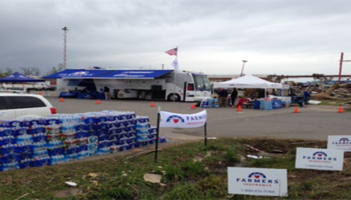 Larry Gragg - <pre>Farmers® Catastrophe bus set up assisting with Tornado recovery in Arkansas.</pre>