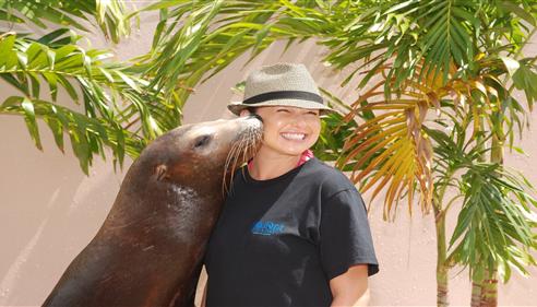 Maureen Martinez - <pre>A kiss for Mo!</pre>