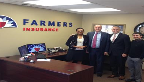 Patrick Wertzberger - <pre>Staff members of The Wertzberger Agency posing with Jeff Dailey; Farmers® CEO.</pre>