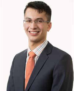 Roberto Castro Farmers Insurance profile image