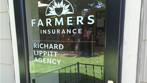 Richard Lippitt - <pre>We also have back door access with no steps for your convenience.</pre>