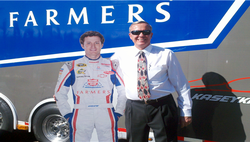 Richard Winters - <pre>Rich and &quot;Kasey Kahne&quot; cut-out at Dos Gringos</pre>