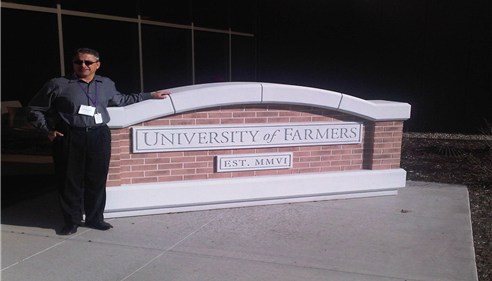 Vincent Simonelli - <pre>At the University of Farmers!</pre>